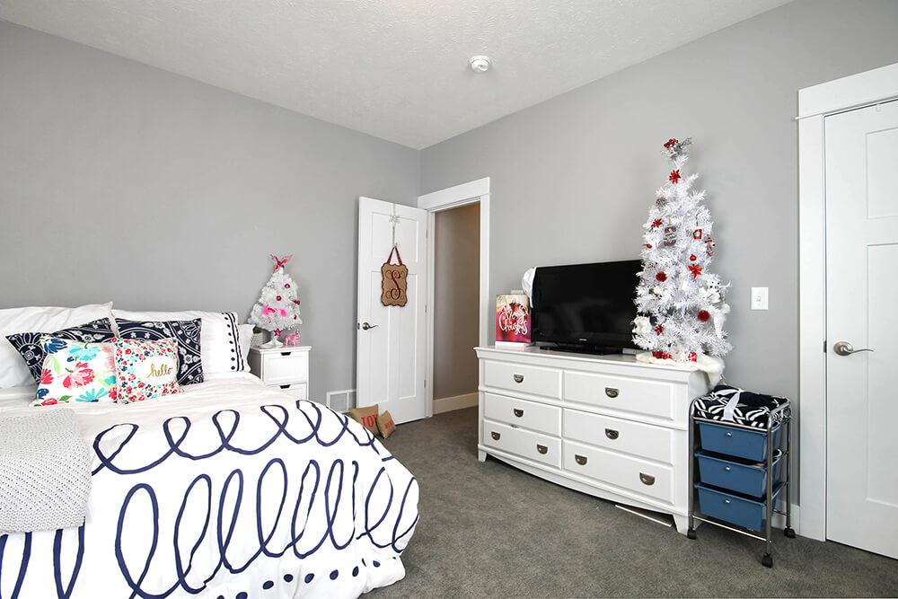 ChristmasWillow 1528c PLWC09017 23 - Custom Homes in Michigan