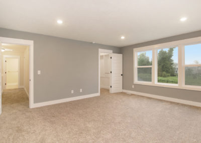 Custom Floor Plans - The Newport - Newport-2478a-SDWG85-8318Yellowstone-25
